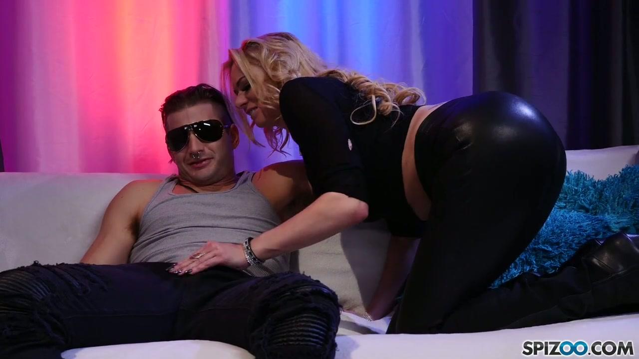 Verka Sudanovas erstes Sexerlebnis vor der Kamera aufgezeichnet